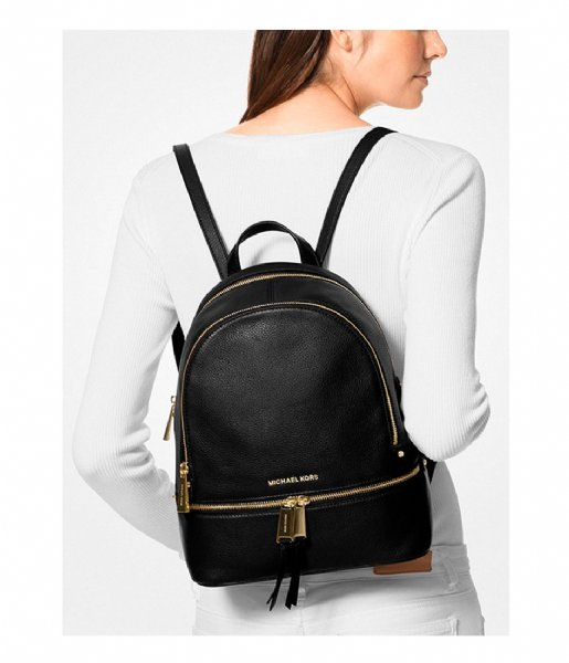 Michael Kors Dagrugzak Rhea Zip Medium Backpack black & gold colored hardware