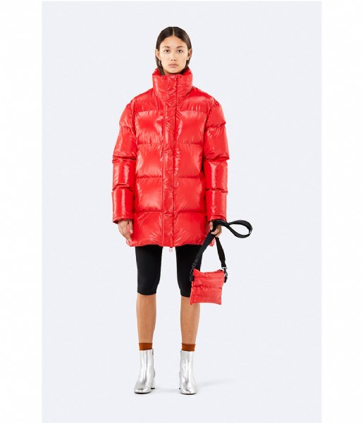 Rains Crossbodytas Puffer Pouch shiny red