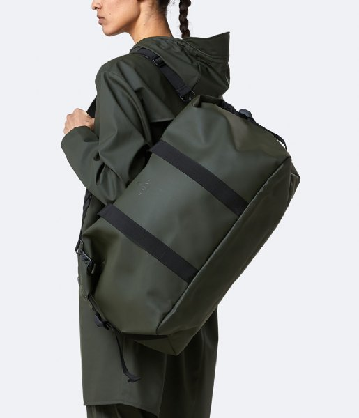 Rains Reistas Weekend Bag green (03)