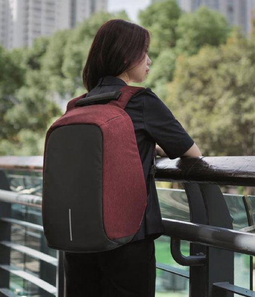 XD Design Anti-diefstal rugzak Bobby Anti Theft Backpack red (544)